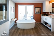 Hollywood Stand Alone Tub